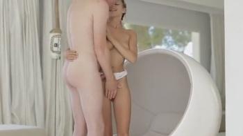Naked aarti mann Melissa Rauch