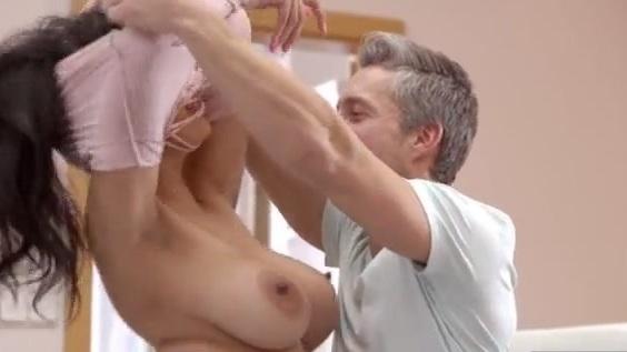 Nude domingo dezidonnelly.com