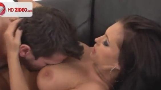 Leila George Topless