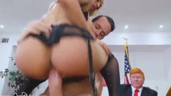 Madison Iseman Tits